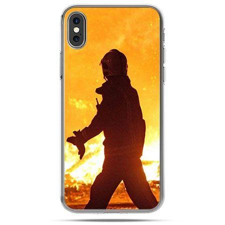 Etui na telefon iPhone X - strażak w ogniu